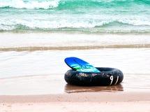 海滩环形游泳 免版税库存照片