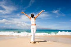 海滩瑜伽 图库摄影