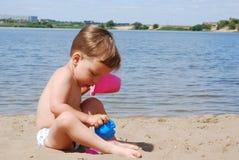 海滩男孩使用的一点 免版税库存图片