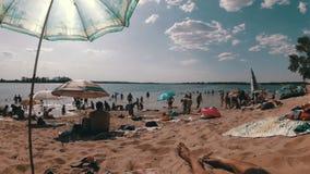 海滩的人基于 影视素材