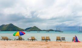 海滩的休息室 免版税图库摄影