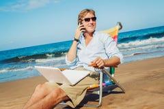 海滩的商人 免版税库存图片