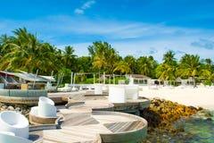 海滩的寒冷的休息室区域 免版税库存照片