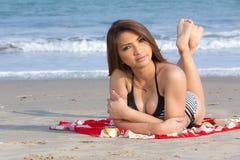 海滩的性感的妇女 库存图片