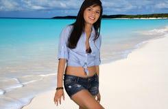 海滩的青少年的女孩 库存照片