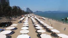 海滩的鸟瞰图在亚洲 越南 股票视频