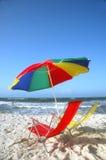 海滩睡椅铺沙白色 免版税库存图片