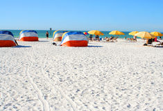 海滩睡椅 库存照片