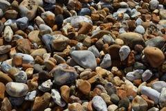 海滩石头在英国 免版税库存照片