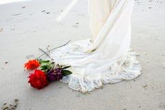 海滩礼服婚礼 免版税库存图片