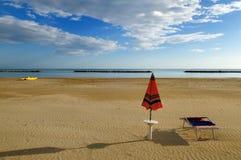 海滩离开在视图 免版税库存图片