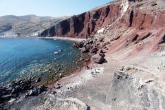 海滩红色santorini 免版税库存照片