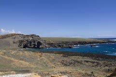 海滩绿色papakolea沙子 免版税库存照片