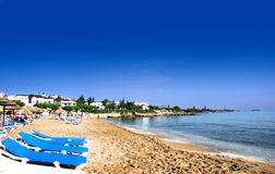 海滩美丽的海岸克利特北部的希腊 免版税库存照片
