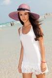 海滩美丽的迈阿密妇女年轻人 免版税库存图片