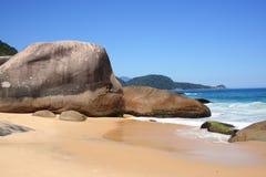 海滩美丽的巴西 免版税库存图片