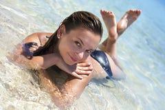 海滩美好的女孩天堂 免版税图库摄影