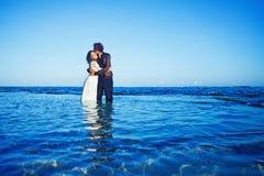 海滩美好的婚姻 免版税库存照片