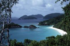 海滩美好的海岛远景 图库摄影