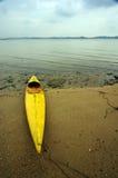 海滩老独木舟mudflat 图库摄影