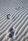 海滩脚印沙子 免版税库存图片