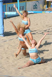 海滩舞蹈演员排球 库存照片