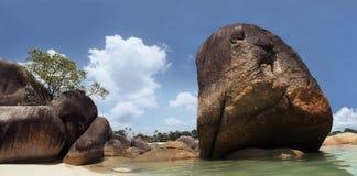海滩花岗岩石头 库存照片