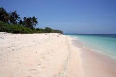 海滩荒岛海运绿松石白色 库存照片