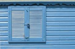 海滩蓝色小屋墙壁 免版税库存照片
