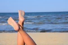 海滩蓝色行程可爱的天空 库存照片