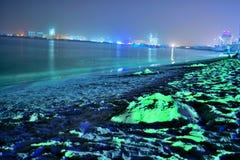 海滩视图在党晚上 库存照片