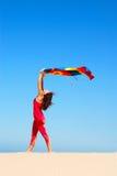 海滩跳舞妇女 免版税库存图片