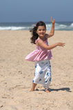 海滩跳舞 免版税库存照片