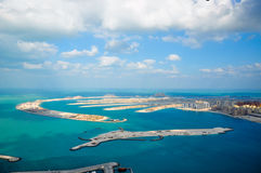 海滩迪拜掌上型计算机 免版税库存图片