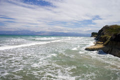 海滩通配corfu的海岛 免版税库存照片