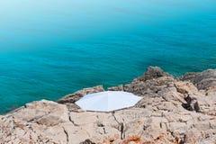 海滩遮阳伞白色 免版税库存图片