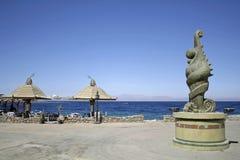 海滩遮阳伞红海 免版税库存图片