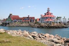 海滩长的码头 库存图片