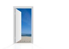海滩门查出的开放 免版税库存照片