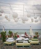 海滩餐馆在季节以后 免版税图库摄影