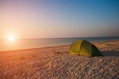 海滩黄雀色费埃特文图拉岛海岛西班牙帐篷 图库摄影