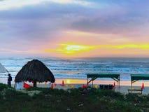 海滩黎明墨西哥 免版税库存图片