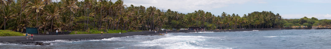 海滩黑色全景沙子 免版税库存照片