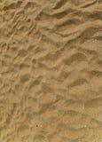 海滩黑色沙子海运 免版税库存照片
