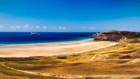 海滩Anse de在Presqu'ile de克罗宗, P的Pen Hat全景  免版税库存图片