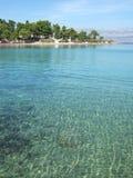 海滩brac在supetar附近的克罗地亚海岛 免版税库存照片