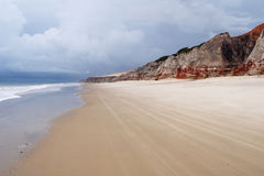 海滩branco峭壁morro海运 库存照片