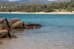 海滩cala塞雷纳 免版税库存照片