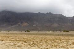 海滩canarian cofete费埃特文图拉岛海岛海岛冲浪板 库存图片