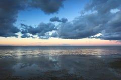海滩cloudscape 免版税库存照片